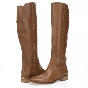 New without tags Michael Kors brown leather boots